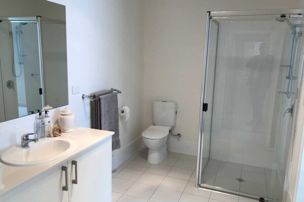 Bathroom - 2, 3 & 8/27 Norman Street