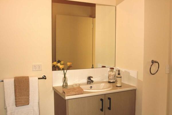 Bathroom - 6 & 8/21-23 Constance Street