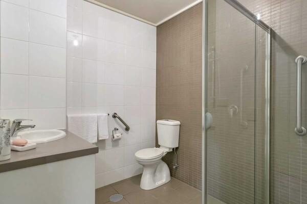 Bathroom - 107/12-16 Durham Street